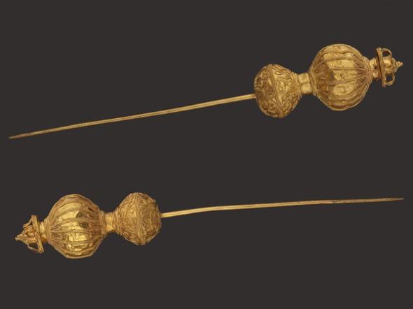 Περόνες από χρυσό.