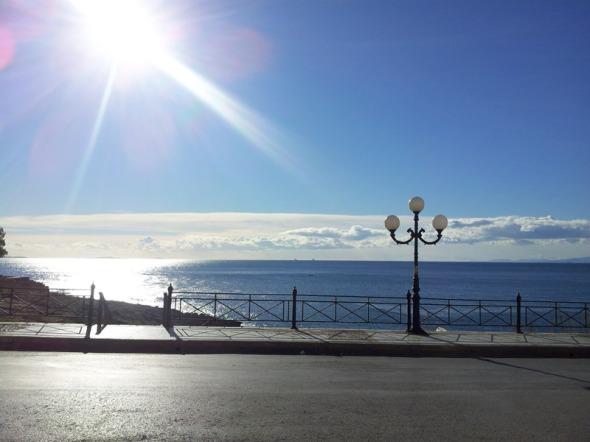 Πρωινό 1ης Ιανουαρίου 2013, στο Σκαφάκι της Πειραϊκής. Με την ευχή να έχουμε μια ηλιόλουστη χρονιά.  © beautyworkshop.gr
