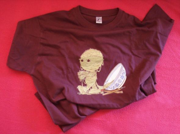 O G. ερωτεύτηκε αυτή τη μπλούζα και υποσχέθηκα να πάρει μια δεύτερη στο επόμενο Meet Market. Αυτήν και πολλές άλλες θα βρείτε στο Inky, Ακάμαντος 6, Θησείο © beautyworkshop.gr