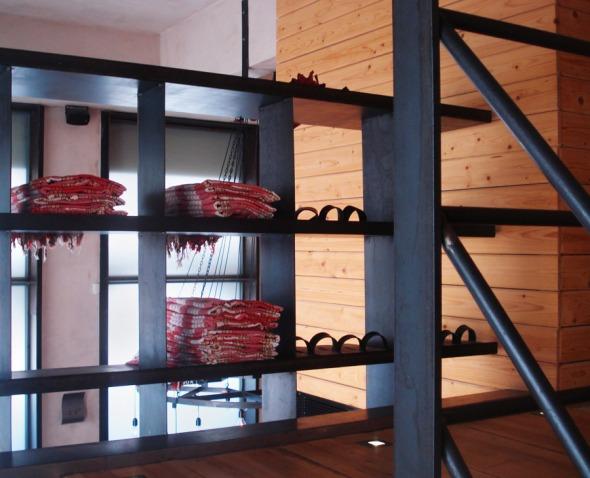 Πεστεμάλ λέγονται τα μονοκόμματα βαμβακερά υφάσματα με τα οποία μπαίνουμε στο χώρο του χαμάμ © beautyworkshop.gr