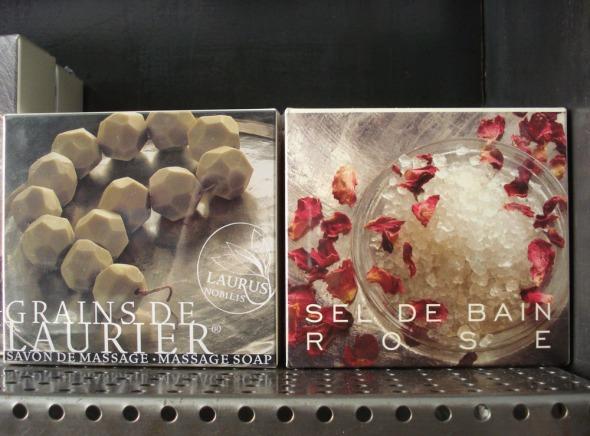 ...και εδώ σαπούνι μασάζ σε μπίλες και άλατα με άρωμα τριαντάφυλλο © beautyworkshop.gr