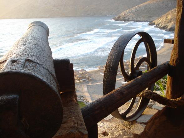 Κάθε πύργος στη Μάνη διέθετε τα δικά του όπλα © beautyworkshop.gr