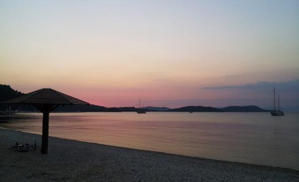 Η φωτογραφία αυτή τραβήχτηκε στις 9μιση το βράδυ © beautyworkshop.gr