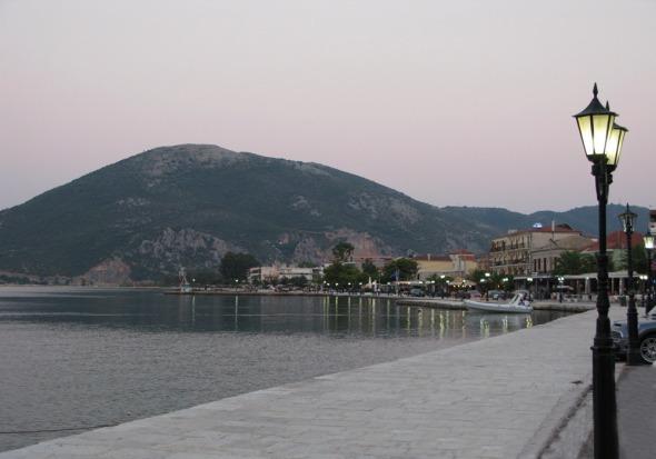 Άποψη του λιμανιού της Βόνιτσας © beautyworkshop.gr