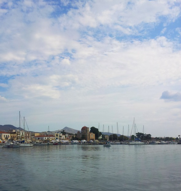 Άποψη του λιμανιού της Αίγινας © beautyworkshop.gr