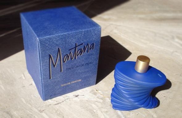 Όχι ότι θέλω και πολύ, ειδικά για το συγκεκριμένο μπλε ηλεκτρίκ, το οποίο μου θυμίζει το αγαπημένο μου Parfum de Peau του Οίκου Montana. © beautyworkshop.gr