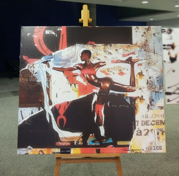 Μια μικρή έκθεση ζωγραφικής σε μια γωνιά του χώρου δεν μπορεί παρά να τραβήξει την προσοχή. © beautyworkshop.gr