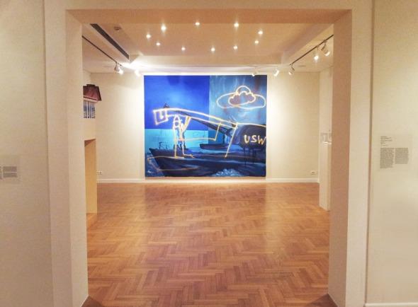 Η έκθεση είναι χωρισμένη σε 6 δωμάτια, το καθένα χαρακτηριστικό μιας περιόδου από τη δουλειά του καλλιτέχνη (από την έκθεση Martin Kippensberger: Cry for Freedom, στο Μουσείο Κυκλαδικής Τέχνης). © beautyworkshop.gr