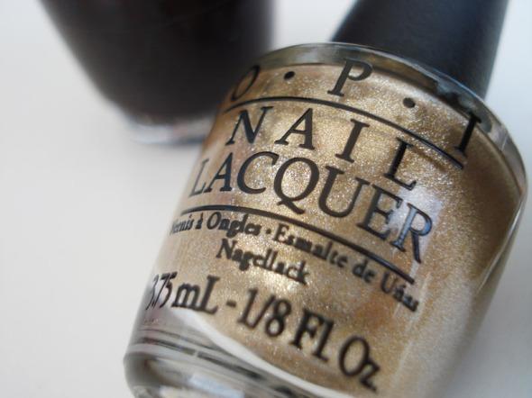 Αυτό το χρυσό δίνει εκπληκτικό glitter matte αποτέλεσμα και είναι το αγαπημένο μου από τη συλλογή © beautyworkshop