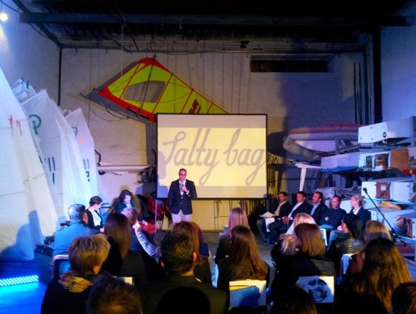 Η παρουσίαση Salty Bag έγινε στον Ναυτικό Όμιλο του Πειραιά, στο τέρμα του Μικρολίμανου © beautyworkshop.gr