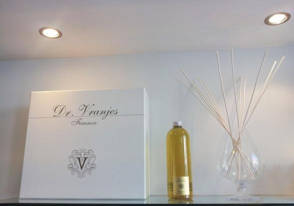 Η εταιρεία έχει διάφορα πολύ εντυπωσιακά diffusers, όπως το ποτήρι bulle της φωτογραφίας... © beautyworkshop.gr