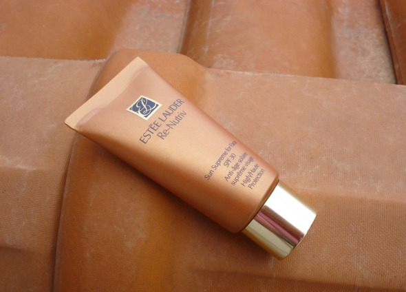 Estée Lauder Renutriv SunScreen for Face SPF30 © beautyworkshop