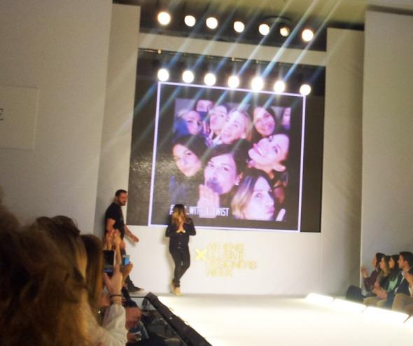 Η καλή συνάδελφος Αννούσα Μελά, δημιουργός του www.mystyleforecast.com, στο τέλος του show © beautyworkshop.gr